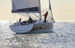 Hanse 418 sailing2